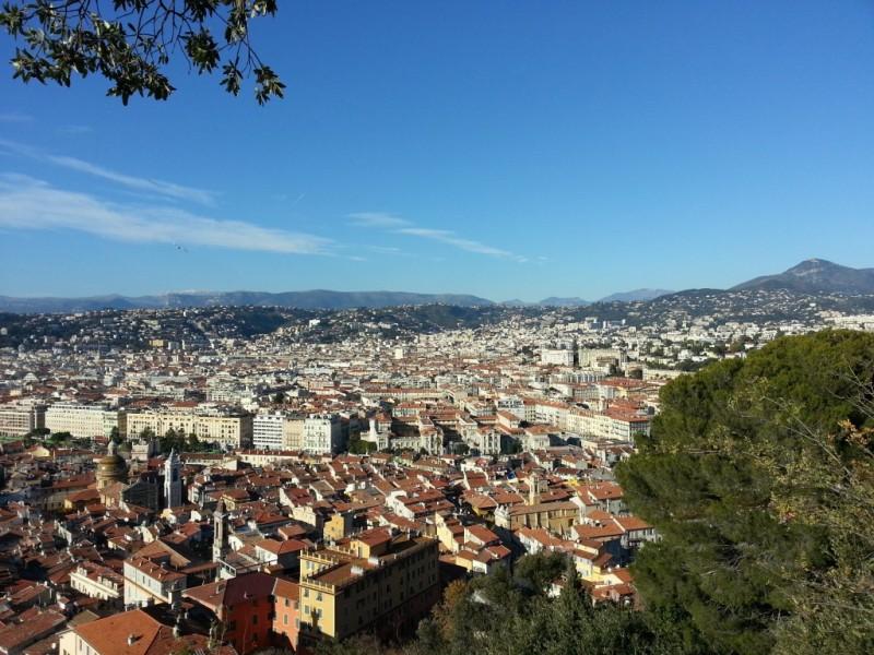 Autre vue sur les toits de la ville